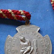 Antigüedades: SEMANA SANTA - MEDALLA COFRADIA SACRAMENTAL SANTA VERA-CRUZ Y SANTISIMO CRISTO HUMILDAD. Lote 168845044