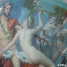 Antigüedades: 2 PLATOS DE PORCELANA PARA COLGAR , CON MOTIVOS DE MITOLOGIA ESTAMPADOS. Lote 168847740