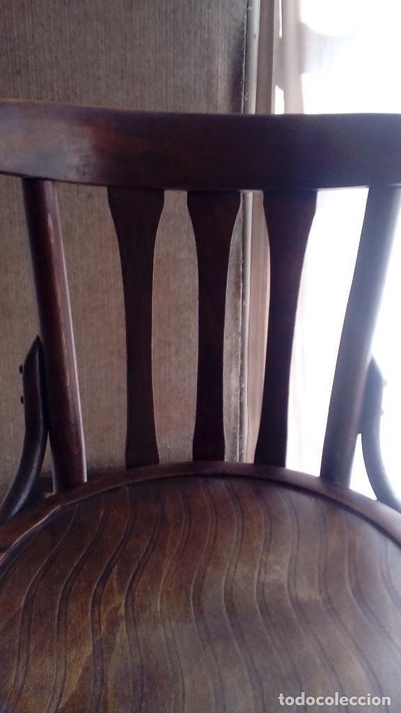 Antigüedades: 6 SILLAS DE MADERA - AÑOS 50 PARA COMEDOR- LA SILLA MIDE 82 X 39 CM. PODÉIS ELEGIRLAS AL RECOGUERLAS - Foto 2 - 168869825