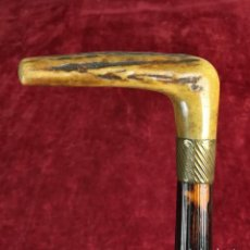 Antigüedades: BASTÓN.EMPUÑADURA DE HUESO Y ARANDELA TORNEADA. (PRINCIPIOS DEL SIGLO XX) ESPAÑA. Lote 168932592