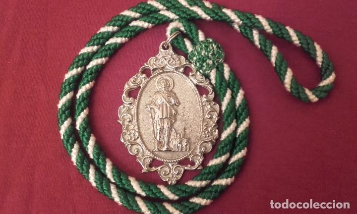 MEDALLA HERMANDAD SAN ISIDRO. HUELVA PROVINCIA. (Antigüedades - Religiosas - Medallas Antiguas)