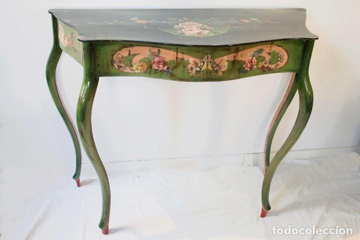 Antigüedades: Consola de roble con pata cabriolé y marco. Recuperados y pintados a mano con motivos florales - Foto 3 - 168973384