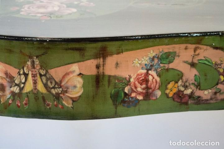 Antigüedades: Consola de roble con pata cabriolé y marco. Recuperados y pintados a mano con motivos florales - Foto 5 - 168973384