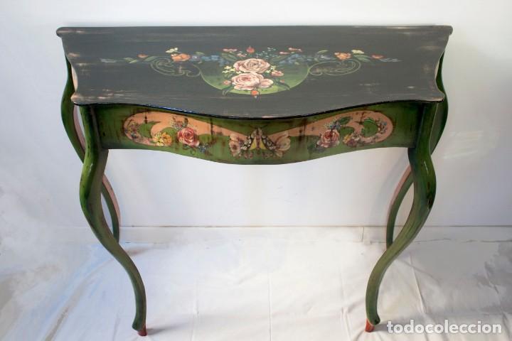 Antigüedades: Consola de roble con pata cabriolé y marco. Recuperados y pintados a mano con motivos florales - Foto 6 - 168973384