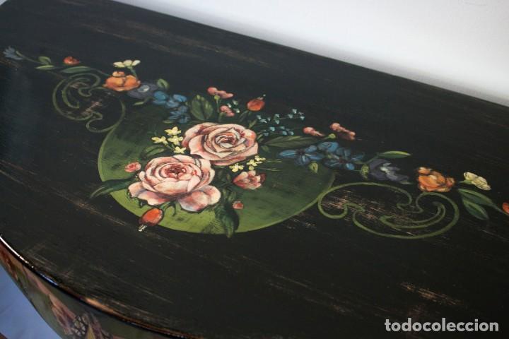Antigüedades: Consola de roble con pata cabriolé y marco. Recuperados y pintados a mano con motivos florales - Foto 14 - 168973384
