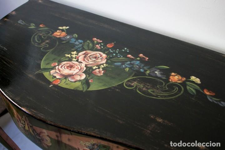 Antigüedades: Consola de roble con pata cabriolé y marco. Recuperados y pintados a mano con motivos florales - Foto 18 - 168973384