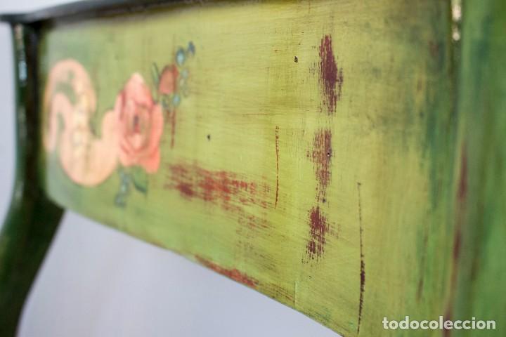Antigüedades: Consola de roble con pata cabriolé y marco. Recuperados y pintados a mano con motivos florales - Foto 23 - 168973384