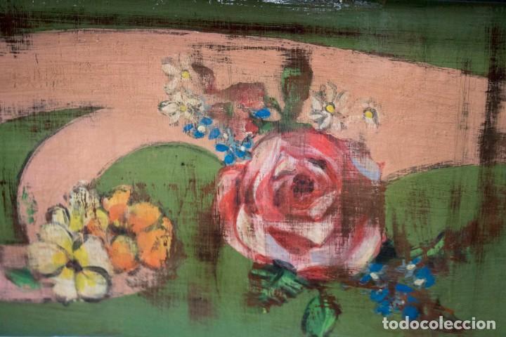Antigüedades: Consola de roble con pata cabriolé y marco. Recuperados y pintados a mano con motivos florales - Foto 24 - 168973384