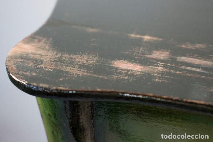 Antigüedades: Consola de roble con pata cabriolé y marco. Recuperados y pintados a mano con motivos florales - Foto 31 - 168973384