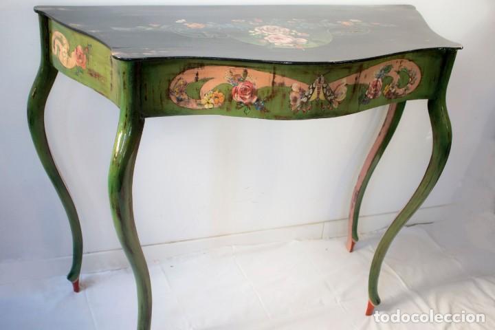 Antigüedades: Consola de roble con pata cabriolé y marco. Recuperados y pintados a mano con motivos florales - Foto 35 - 168973384