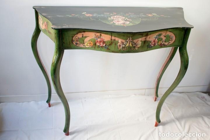 Antigüedades: Consola de roble con pata cabriolé y marco. Recuperados y pintados a mano con motivos florales - Foto 36 - 168973384