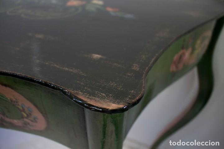 Antigüedades: Consola de roble con pata cabriolé y marco. Recuperados y pintados a mano con motivos florales - Foto 41 - 168973384