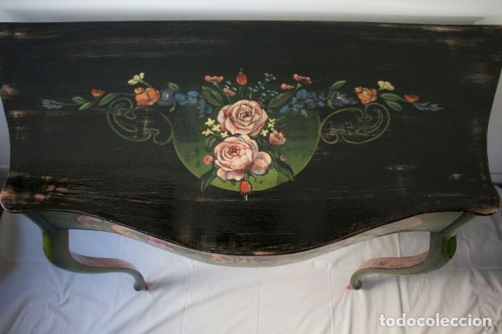 Antigüedades: Consola de roble con pata cabriolé y marco. Recuperados y pintados a mano con motivos florales - Foto 44 - 168973384