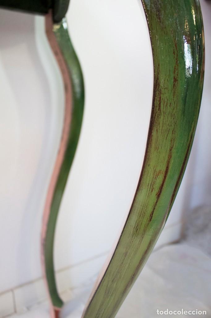 Antigüedades: Consola de roble con pata cabriolé y marco. Recuperados y pintados a mano con motivos florales - Foto 48 - 168973384