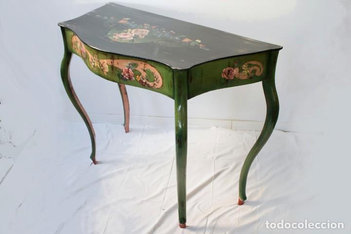 Antigüedades: Consola de roble con pata cabriolé y marco. Recuperados y pintados a mano con motivos florales - Foto 54 - 168973384