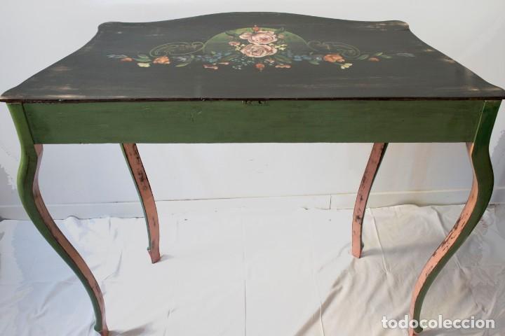 Antigüedades: Consola de roble con pata cabriolé y marco. Recuperados y pintados a mano con motivos florales - Foto 55 - 168973384