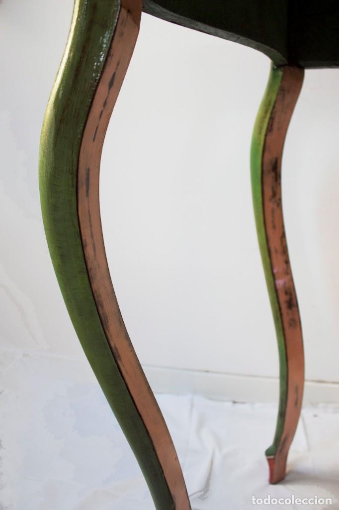 Antigüedades: Consola de roble con pata cabriolé y marco. Recuperados y pintados a mano con motivos florales - Foto 56 - 168973384
