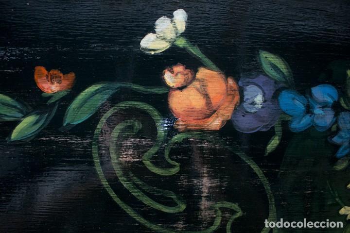 Antigüedades: Consola de roble con pata cabriolé y marco. Recuperados y pintados a mano con motivos florales - Foto 58 - 168973384