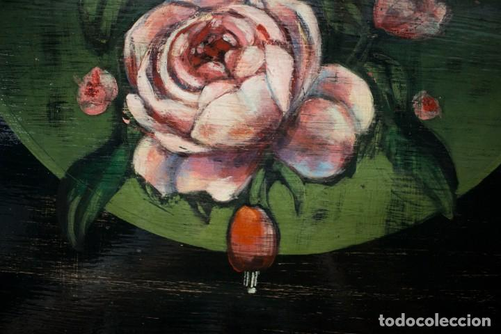 Antigüedades: Consola de roble con pata cabriolé y marco. Recuperados y pintados a mano con motivos florales - Foto 59 - 168973384