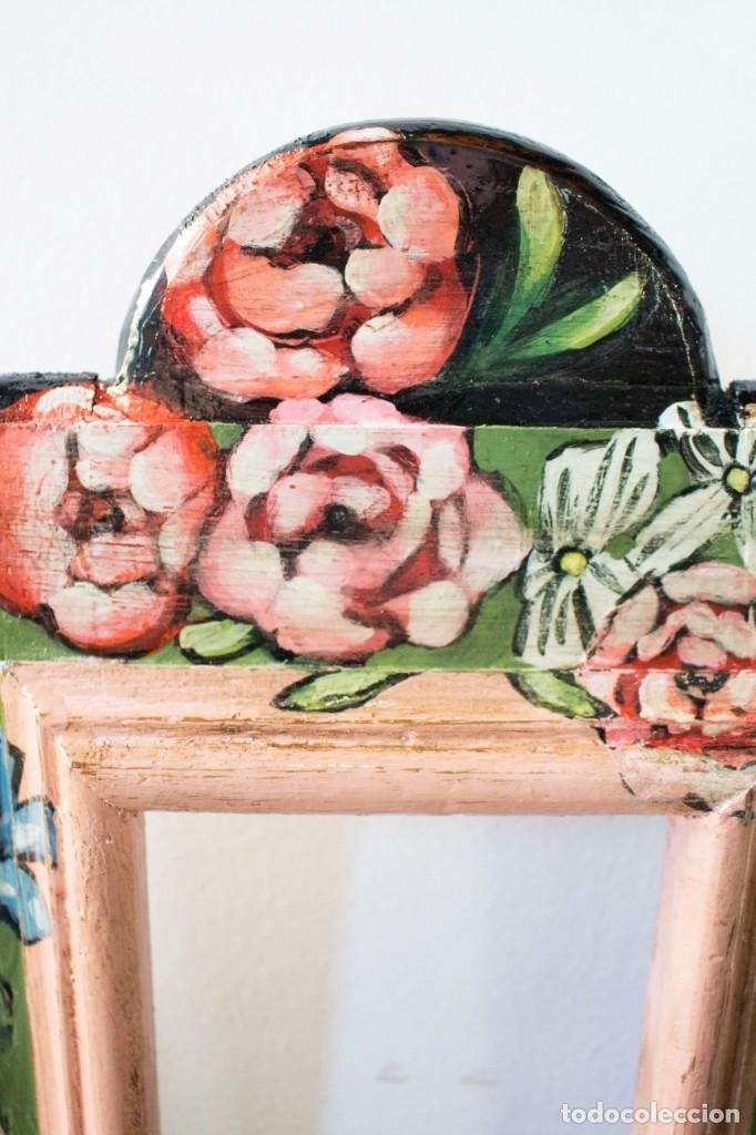 Antigüedades: Consola de roble con pata cabriolé y marco. Recuperados y pintados a mano con motivos florales - Foto 66 - 168973384