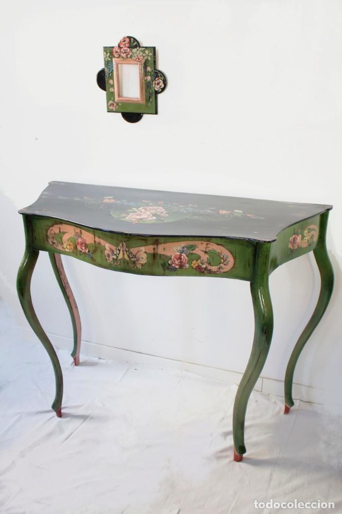 Antigüedades: Consola de roble con pata cabriolé y marco. Recuperados y pintados a mano con motivos florales - Foto 68 - 168973384