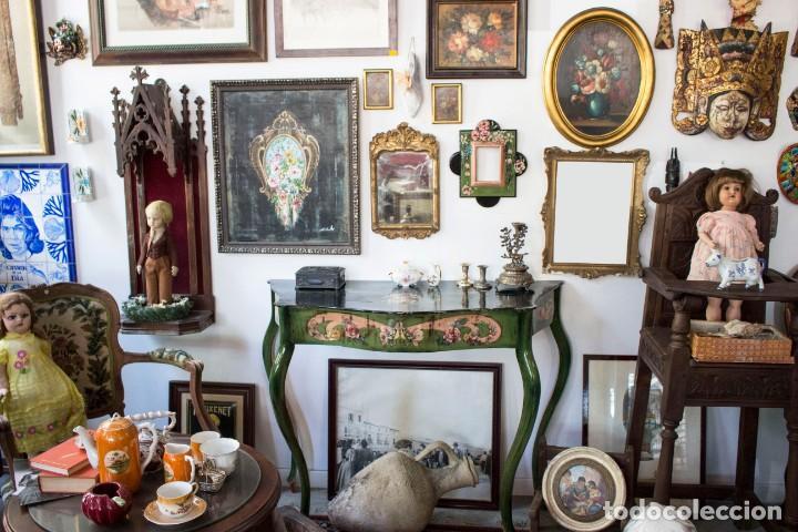 Antigüedades: Consola de roble con pata cabriolé y marco. Recuperados y pintados a mano con motivos florales - Foto 72 - 168973384