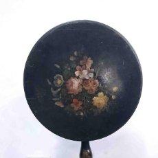Antigüedades: MESA TILT TOP FLOR NEGRA FLORES. Lote 169004520