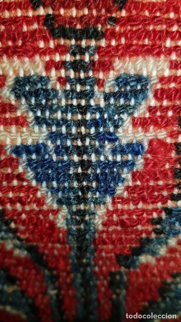 Antigüedades: Extraordinaria y antigua alfombra persa de pasillo,lana pura hecha a mano.color principal rojo. - Foto 5 - 169051352