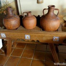 Antigüedades: CANTARERA DE MADERA Y 3 CÁNTAROS. Lote 169066492