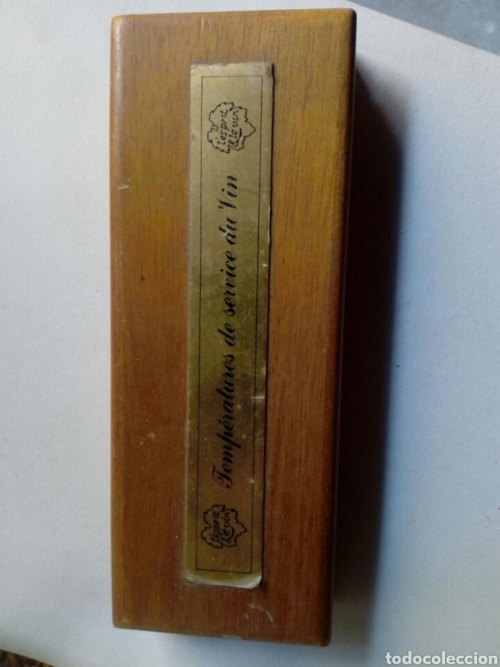 Antigüedades: Termometro tema vino - incritas las diferentes temperaturas de distintos vinos - caja de madera - Foto 2 - 169122578