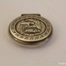 Antigüedades: CAJITA PASTILLERO EN PLATA MACIZA DE LEY 925. Lote 169147052