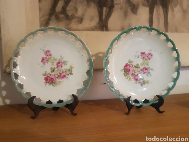 Antigüedades: Pareja platos flores porcelana - Foto 3 - 169164177
