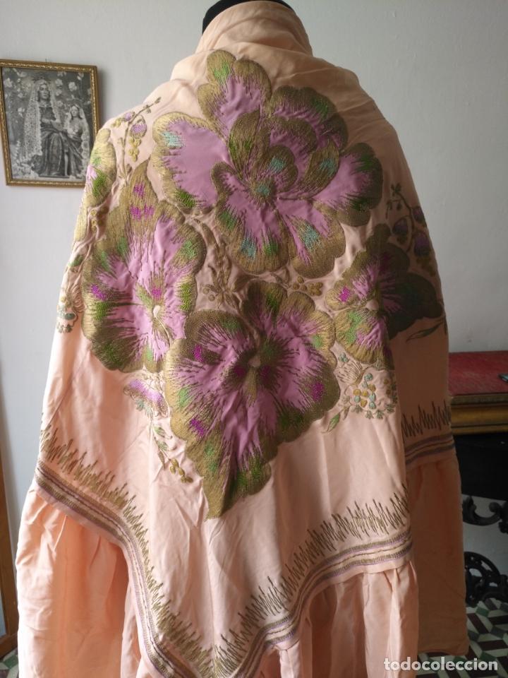 Antigüedades: bordado oro metal espectacular colcha manto virgen divina pastora o manton falda regional rosa - Foto 2 - 169176828