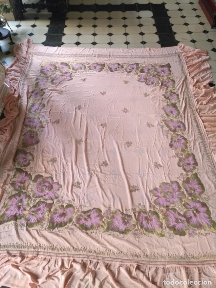 Antigüedades: bordado oro metal espectacular colcha manto virgen divina pastora o manton falda regional rosa - Foto 6 - 169176828