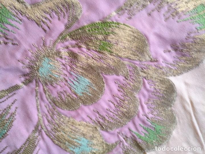 Antigüedades: bordado oro metal espectacular colcha manto virgen divina pastora o manton falda regional rosa - Foto 8 - 169176828