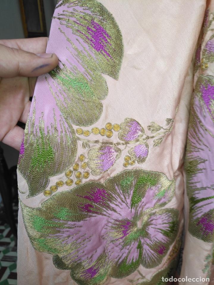 Antigüedades: bordado oro metal espectacular colcha manto virgen divina pastora o manton falda regional rosa - Foto 15 - 169176828