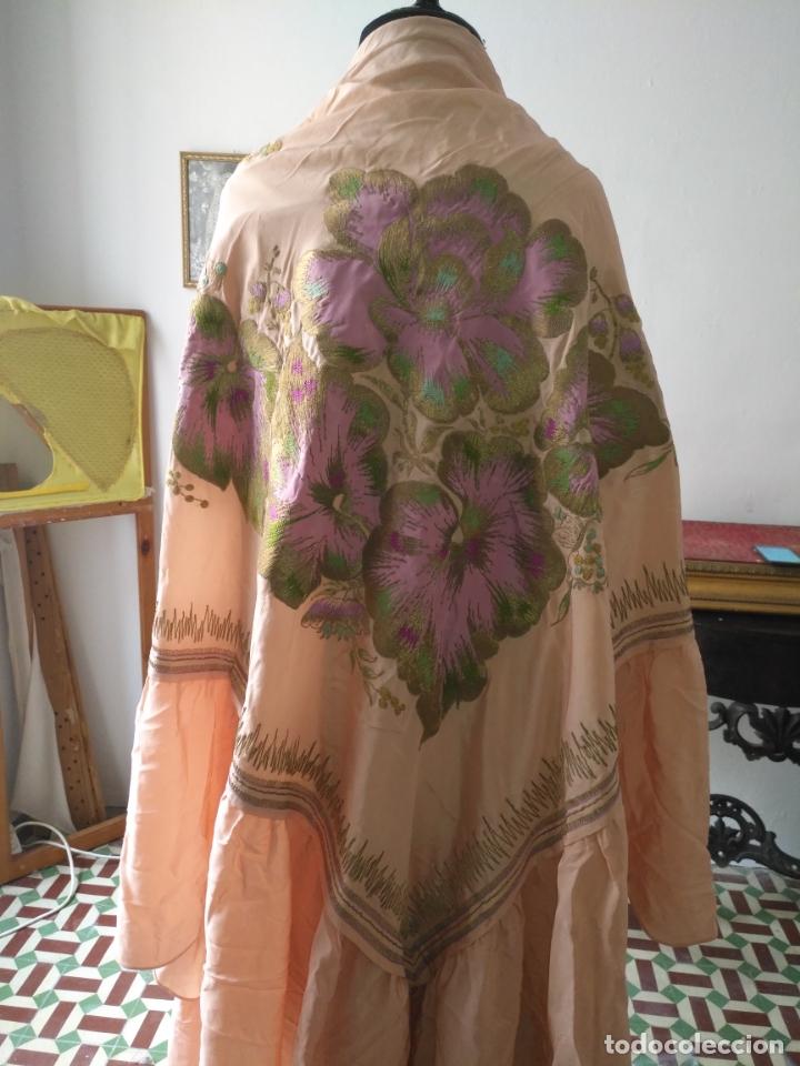 Antigüedades: bordado oro metal espectacular colcha manto virgen divina pastora o manton falda regional rosa - Foto 16 - 169176828