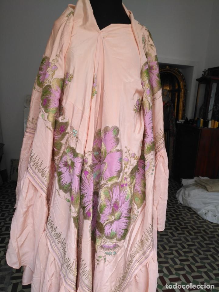 Antigüedades: bordado oro metal espectacular colcha manto virgen divina pastora o manton falda regional rosa - Foto 18 - 169176828
