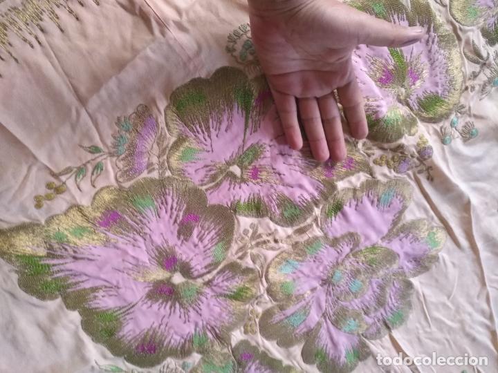 Antigüedades: bordado oro metal espectacular colcha manto virgen divina pastora o manton falda regional rosa - Foto 31 - 169176828