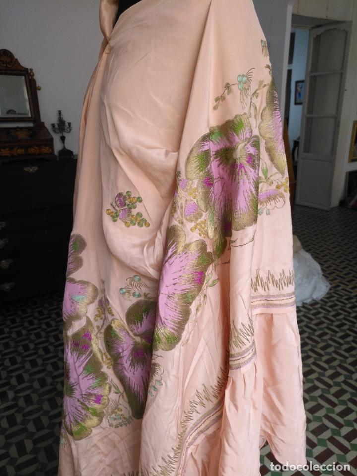 Antigüedades: bordado oro metal espectacular colcha manto virgen divina pastora o manton falda regional rosa - Foto 34 - 169176828