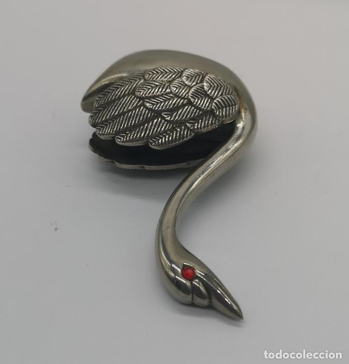 Antigüedades: Figura antigua de cisne en metal con acabado laminado en plata de ley . - Foto 5 - 169188400