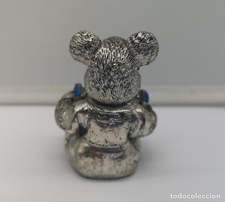 Antigüedades: Bella figura antigua de osito laminado en plata de ley 925 con detalles esmaltados . - Foto 3 - 169189436