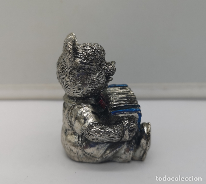 Antigüedades: Bella figura antigua de osito laminado en plata de ley 925 con detalles esmaltados . - Foto 4 - 169189436