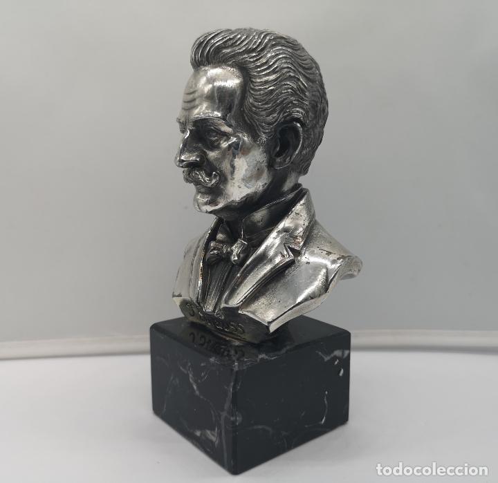 Antigüedades: Busto antiguo del compositor Johann Strauss laminado en plata de ley sobre peana de mármol . - Foto 2 - 169189876