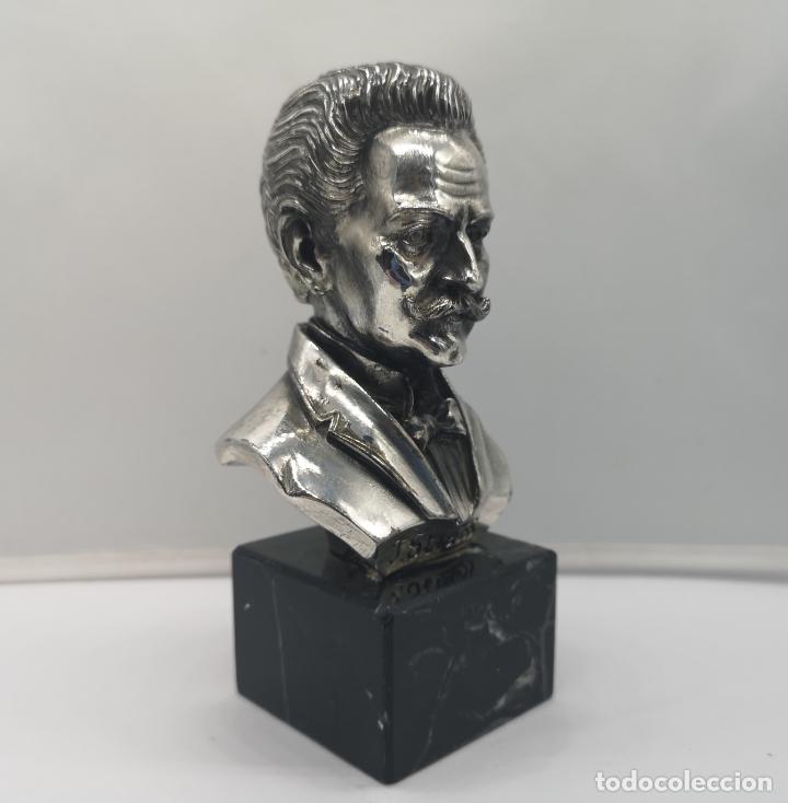 Antigüedades: Busto antiguo del compositor Johann Strauss laminado en plata de ley sobre peana de mármol . - Foto 5 - 169189876