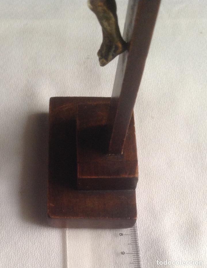 Antigüedades: ANTIGUA CRUZ CON CRISTO, CRUZ CON BASE SOBREMESA EN MADERA Y CRISTO EN METAL - Foto 11 - 169190188