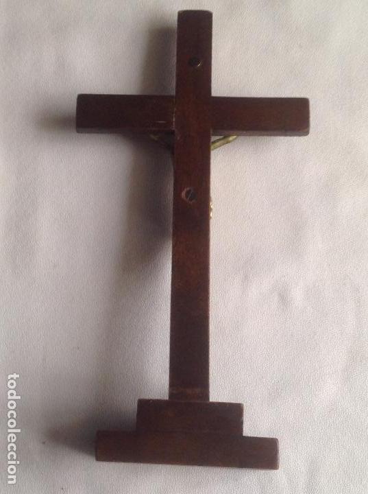 Antigüedades: ANTIGUA CRUZ CON CRISTO, CRUZ CON BASE SOBREMESA EN MADERA Y CRISTO EN METAL - Foto 3 - 169190188