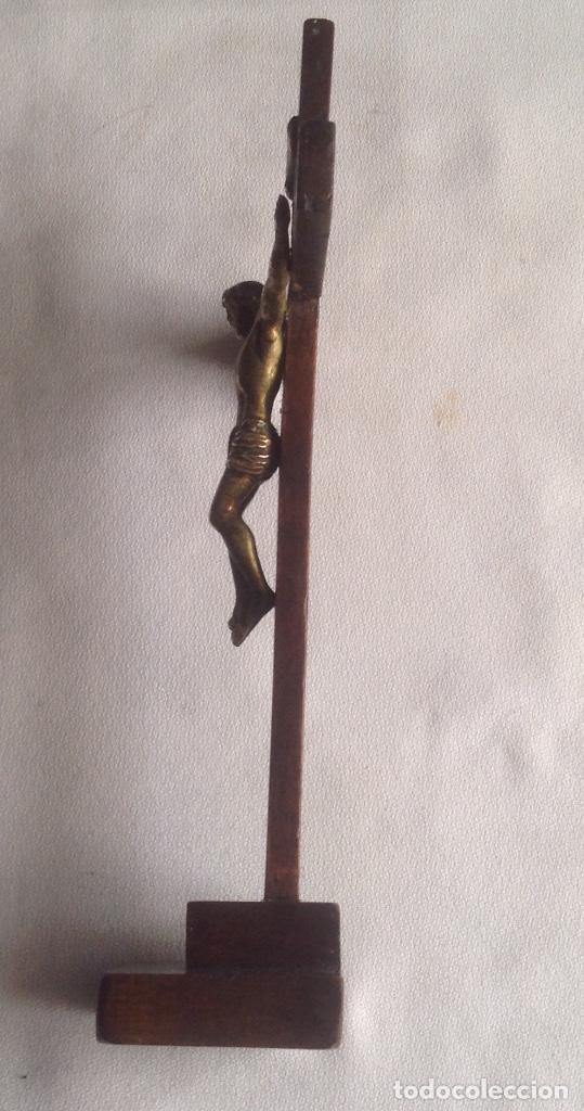 Antigüedades: ANTIGUA CRUZ CON CRISTO, CRUZ CON BASE SOBREMESA EN MADERA Y CRISTO EN METAL - Foto 22 - 169190188