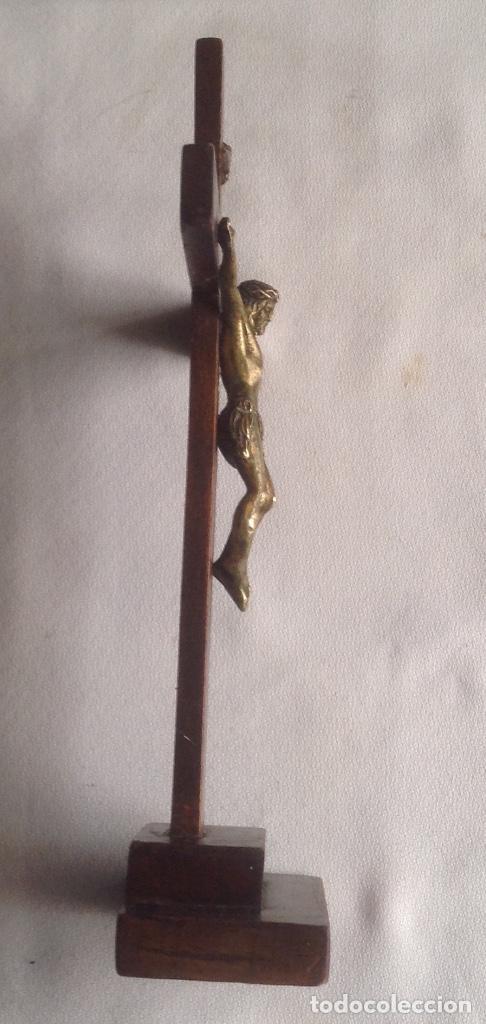Antigüedades: ANTIGUA CRUZ CON CRISTO, CRUZ CON BASE SOBREMESA EN MADERA Y CRISTO EN METAL - Foto 23 - 169190188