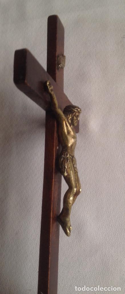 Antigüedades: ANTIGUA CRUZ CON CRISTO, CRUZ CON BASE SOBREMESA EN MADERA Y CRISTO EN METAL - Foto 24 - 169190188